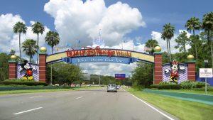 Heart transplant patient challenges scariest Disney rides: entrance