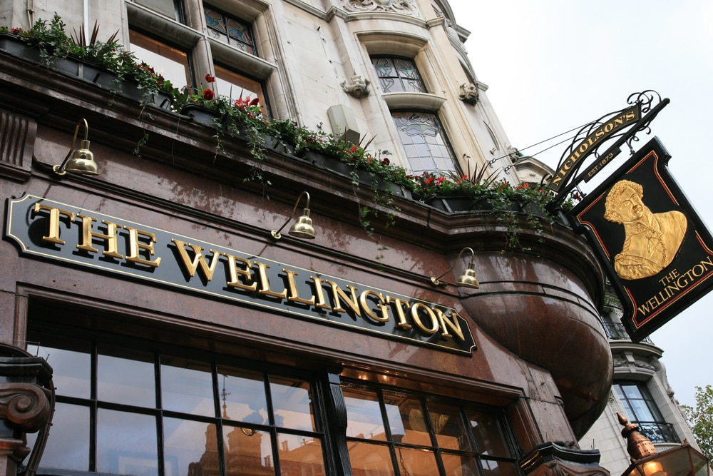 10 things that make a great British holiday: An English pub